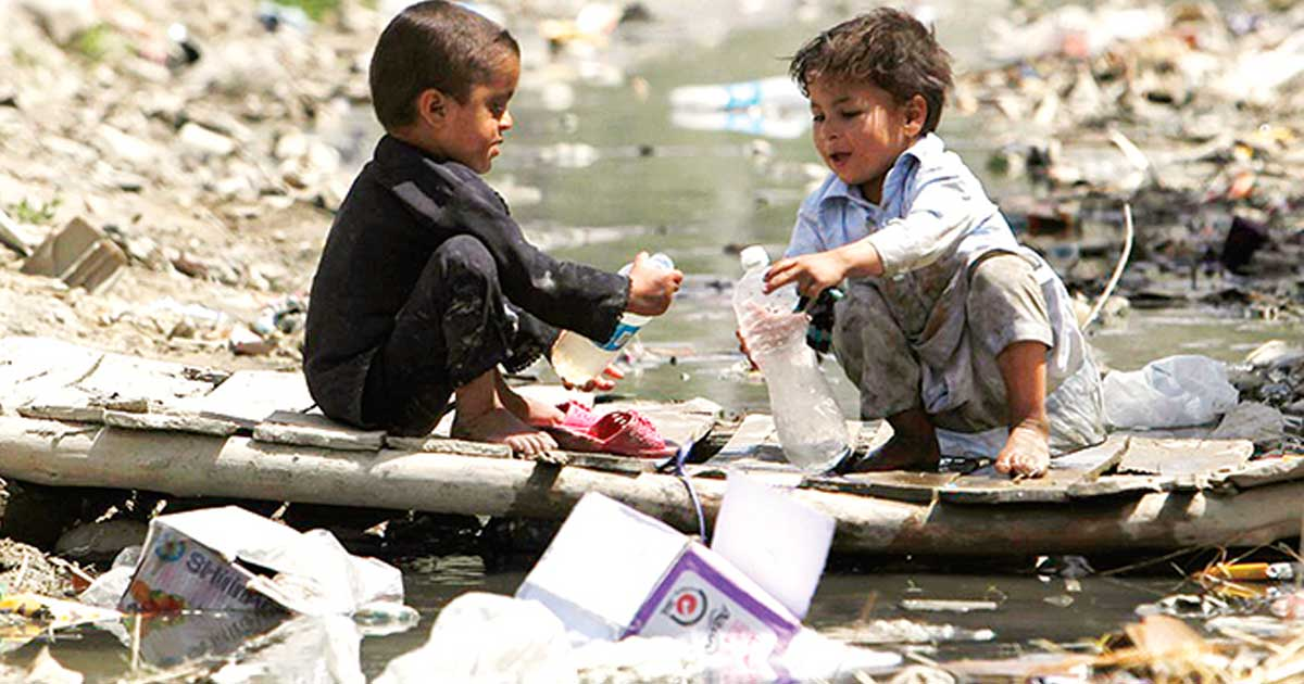 Contaminación mata a niños, reporta informe mundial
