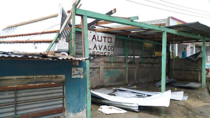 16 viviendas afectadas en San Cristóbal de las Casas por torbellino