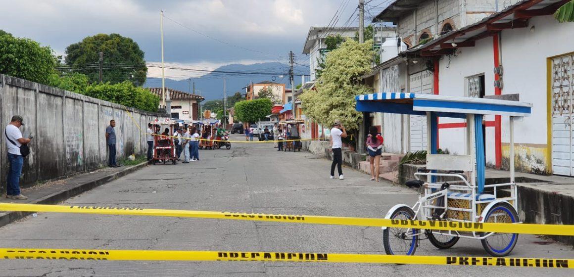 Atacan a balazos a familia en Mapastepec