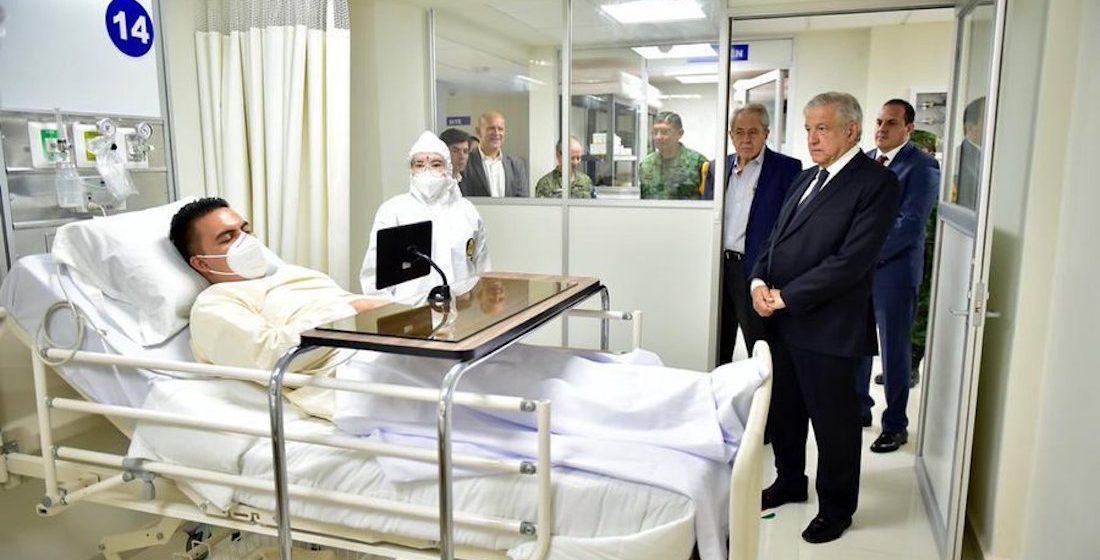 """ISSSTE confirma que foto de AMLO en un hospital es parte de """"un simulacro"""""""