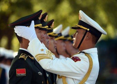 China prueba vacuna contra covid-19 en su ejército