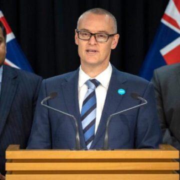Renuncia ministro de salud de Nueva Zelanda por saltarse la cuarentena