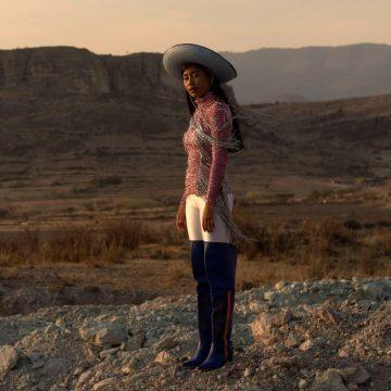 Karen Vega: Conoce a la primera modelo oaxaqueña en las páginas de Vogue
