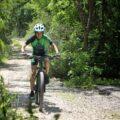 Ciclistas realizan actividades previo al mes de la lucha con el cáncer