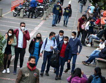 OMS reporta récord diario de casos mundiales de coronavirus por el rebrote en Europa