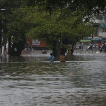 Lluvias dejan 4,600 casas dañadas y 50,000 afectados en Tabasco