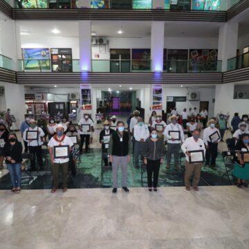 Entregan reconocimientos a integrantes de la Mayordomía Zoque