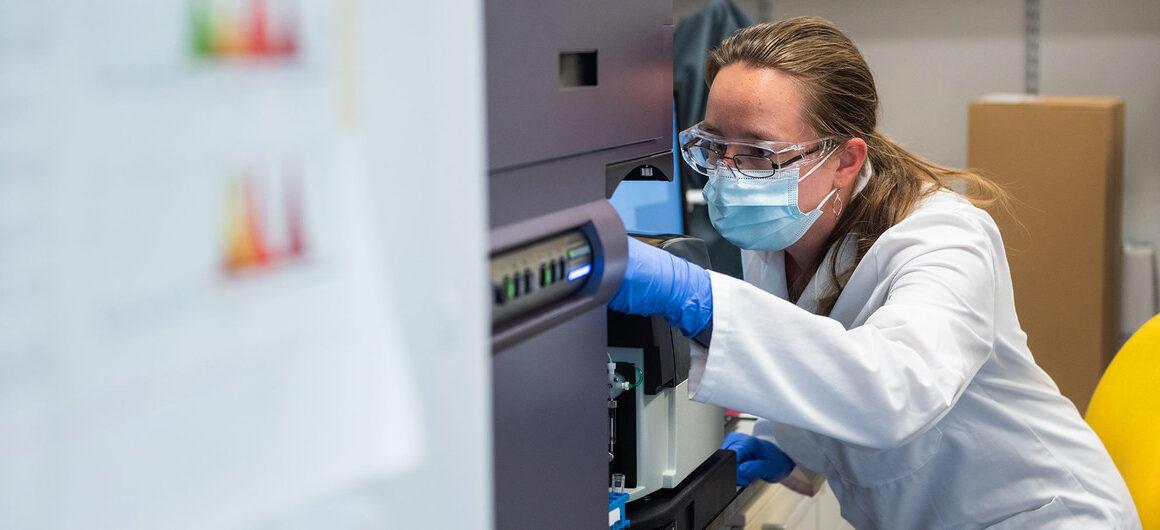 Las vacunas no garantizan la erradicación de un virus, advierte la OMS