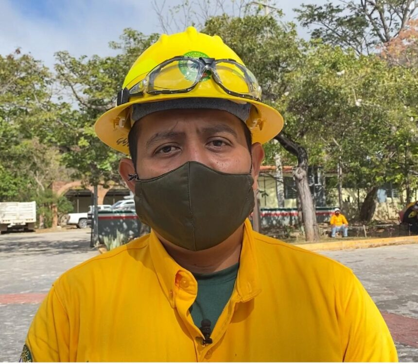 Bomberos y CONAFOR participan en recorridos preventivos de reducción de incendios en Tuxtla