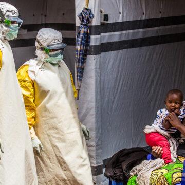 OMS declara alerta por alto riesgo de epidemia de ébola en África