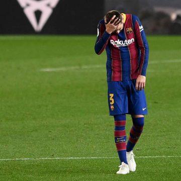 Piqué sufre un esguince y no podrá jugar la vuelta de Champions ante PSG