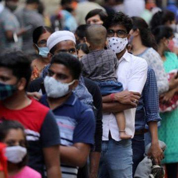 India registra récord mundial de nuevos casos Covid-19; escasea oxígeno