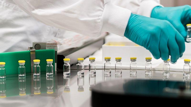 Recomiendan suspender vacuna Johnson &Johnson en EU por posibles trombos en mujeres