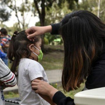 """Salud pide festejo """"sensato"""" del Día del Niño y Día de las Madres"""