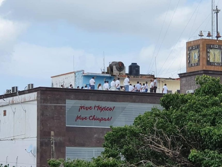 Aclaran actuación de empleados del ayuntamiento de Tonalá, que durante el simulacro sísmico utilizaron la azotea del edificio público como refugio