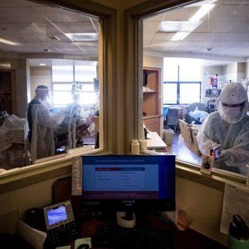 Las vacunas reducen en más de 70% las hospitalizaciones por Covid-19: estudio
