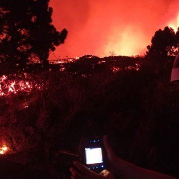 Lava del volcán Cumbre Vieja continúa su camino; provoca destrucción y evacuación en Canarias