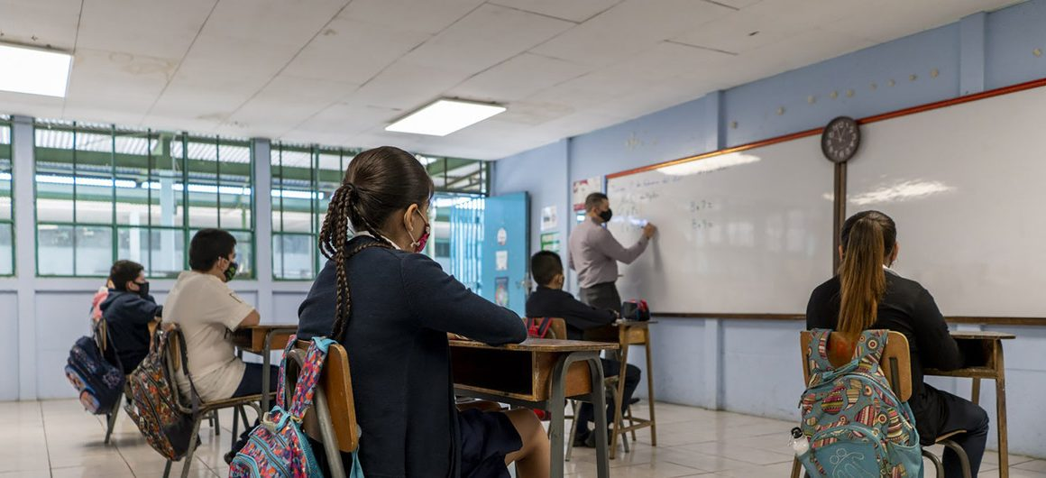 Las escuelas de América Latina deben reanudar un 100% sus clases presenciales de inmediato