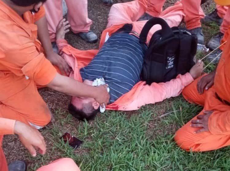 Choque en Dos Bocas entre trabajadores y policías; hubo disparos y heridos